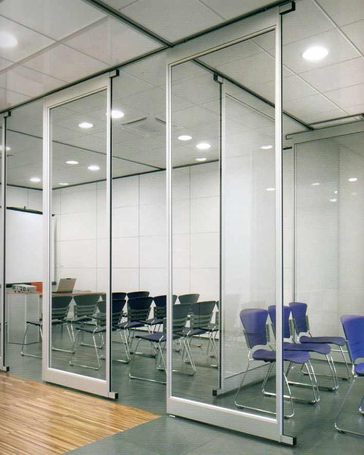 Pareti e sedie ufficio pareti attrezzate divisorie for Progetta i tuoi mobili per ufficio