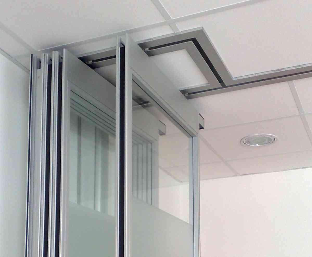 Pareti mobili ufficio pareti ufficio attrezzate for Divisori mobili per ufficio